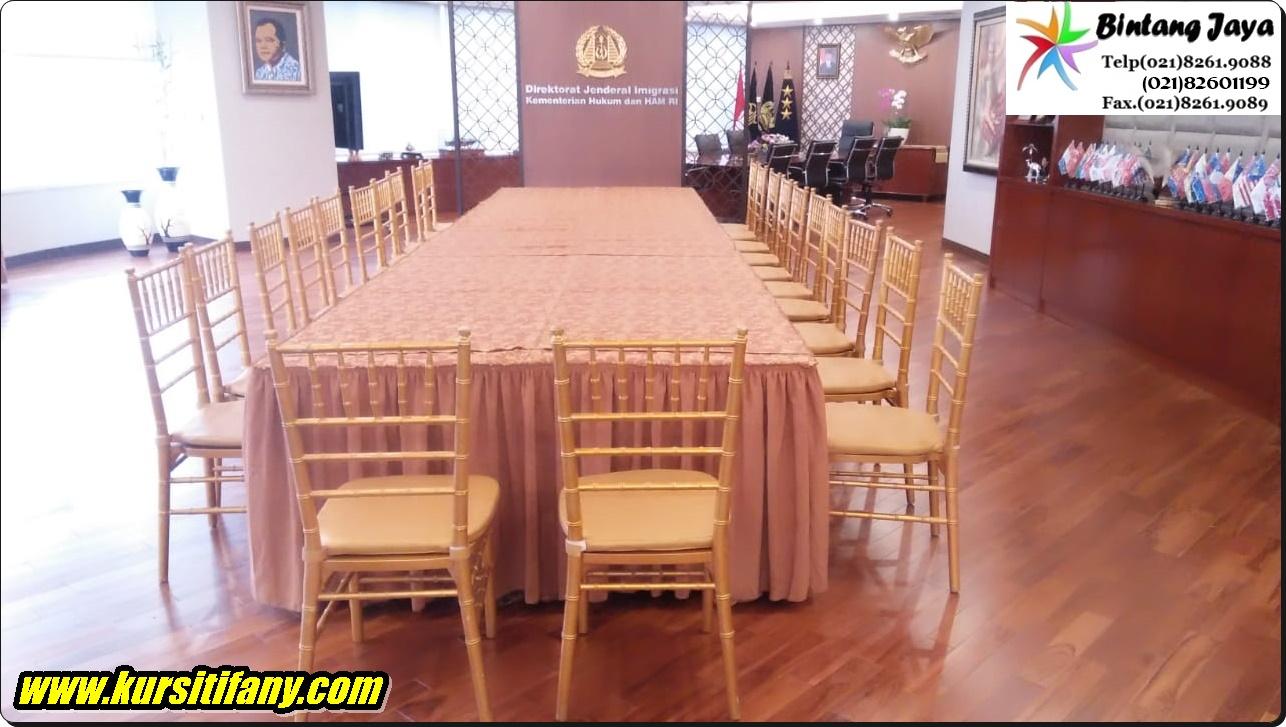 Sewa Kursi Tiffany Event Kenegaraan