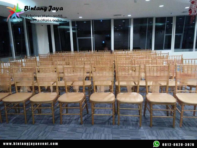 Sewa Kursi Tiffany Gold Include Pita Termurah di Bekasi